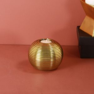 Gold t-light holder : Topp Brass